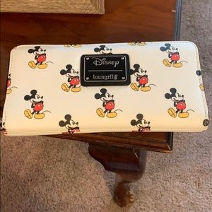 Disney Loungefly Mickey Mouse Wallet